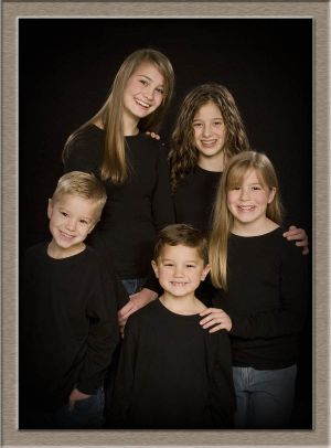 Family Portrait Photography of Siblings from West Linn, Oregon